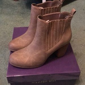 Madden Girl Size 8 Booties